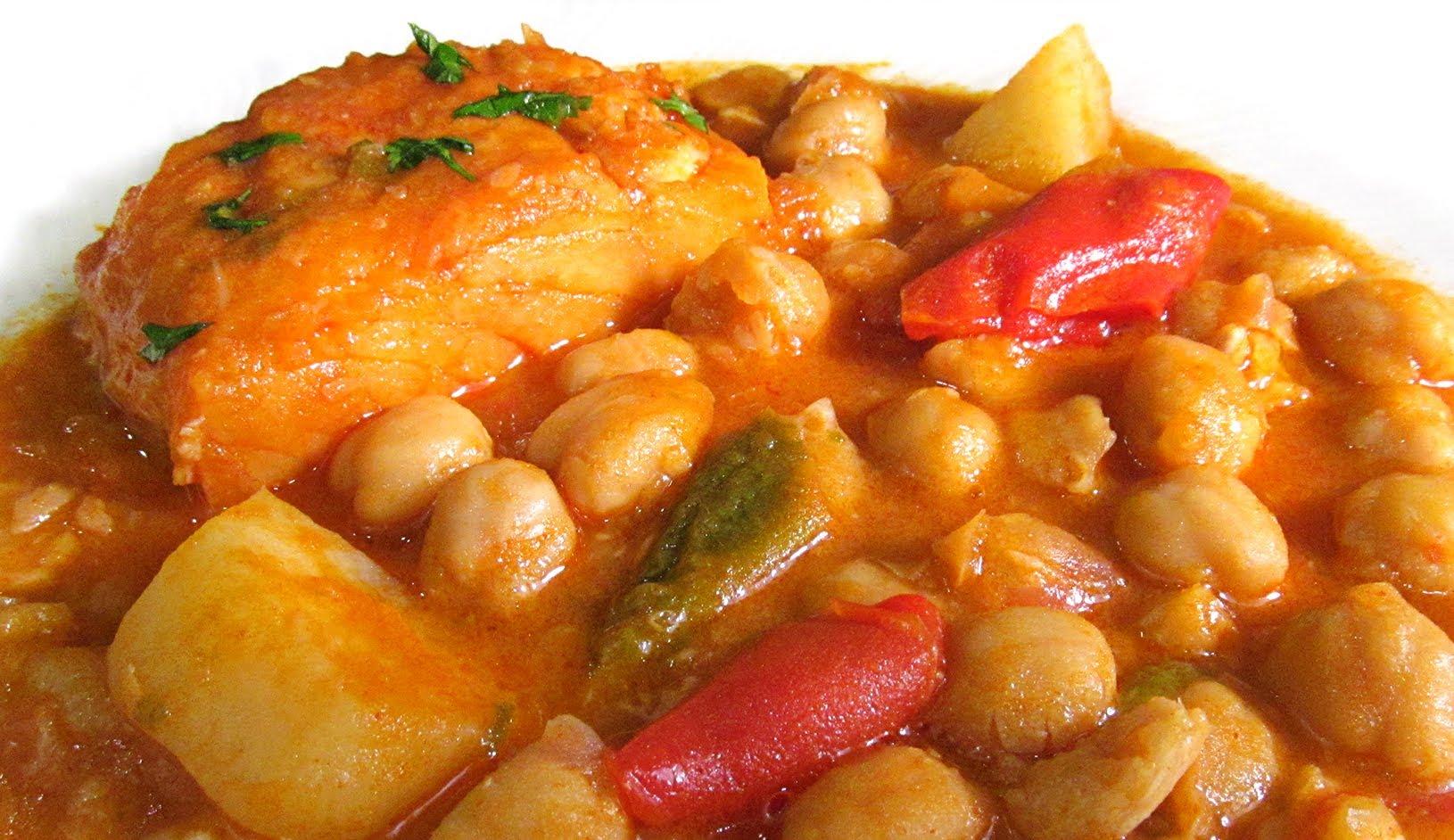Savour delicious easter food in malaga malaga blog - Bacalao con garbanzos y patatas ...